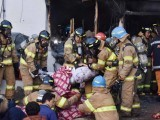 firefighters-rescue-a-patient-from-a-burnt-hospital-in-miryang