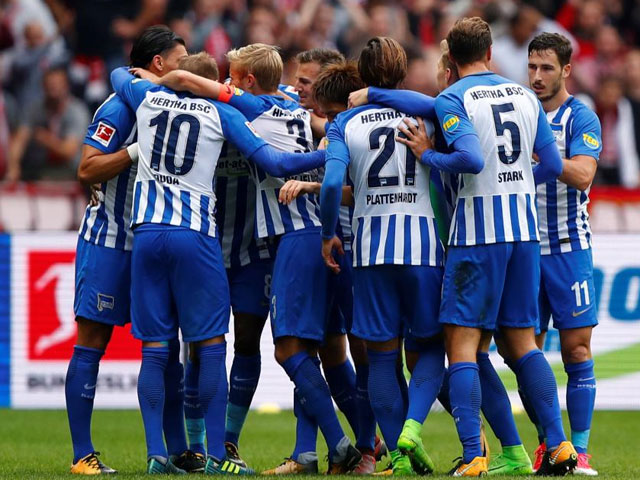football smartphone app keeps eye on hertha stars sleep
