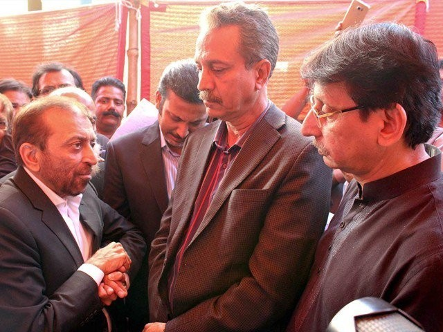Farooq Sattar strikes back, dissolves MQM-P Rabita Committee after his ouster