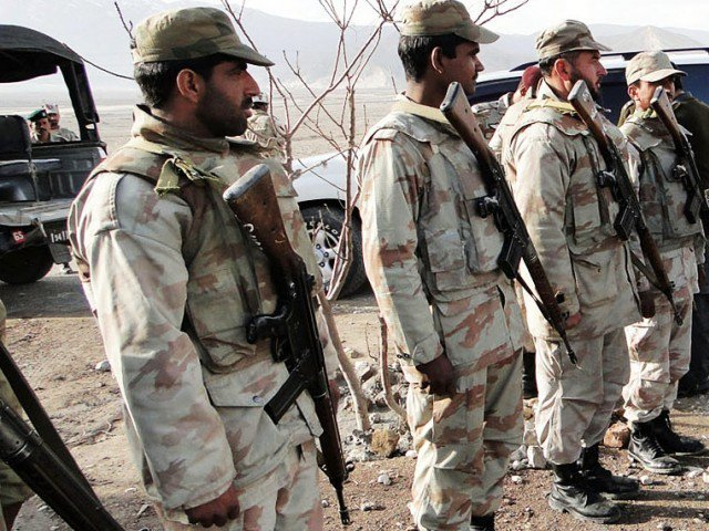 Gunmen kill 4 paramilitary soldiers in southwest Pakistan
