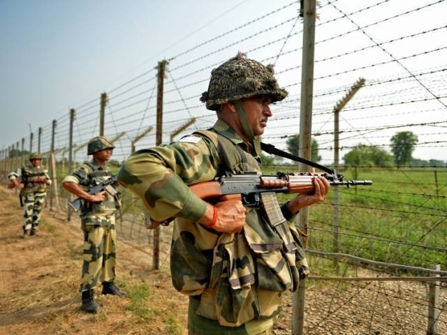 Pak trade fire along LoC in Tandhgar