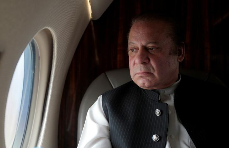 pakistani-prime-minister-nawaz-sharif-looks-out-the-window-of-his-plane-after-attending-a-ceremony-to-inaugurate-the-m9-motorway-between-karachi-and-hyderabad-3-2-3-2-2-2-2-2-2-2-2-2-2-2-2-2-2-2-2