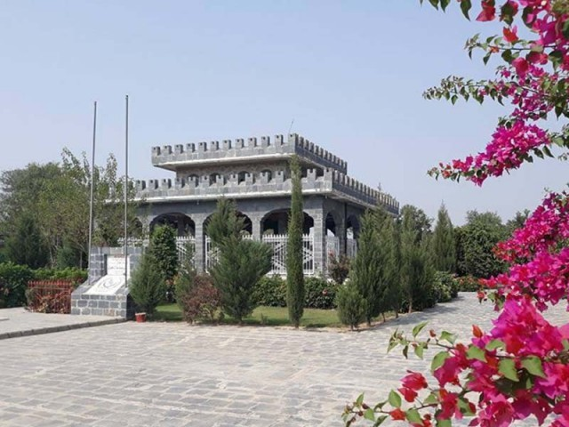 A general view of the tomb of Gujju Khan. PHOTO: EXRESS