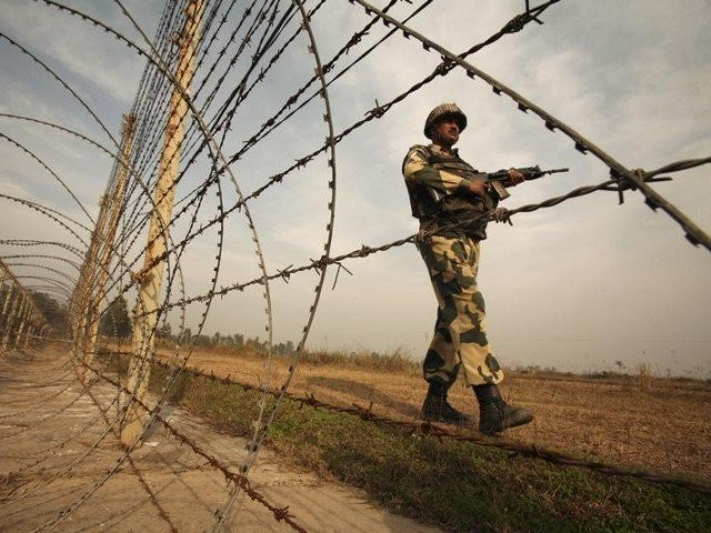 Killing of 2 Pakistani soldiers prompt heavy firing across LoC