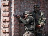 indian-army-soldiers-take-their-positions-near-the-site-of-a-gun-battle-between-indian-security-forces-and-militants-on-the-outskirts-of-srinagar-2-2-2