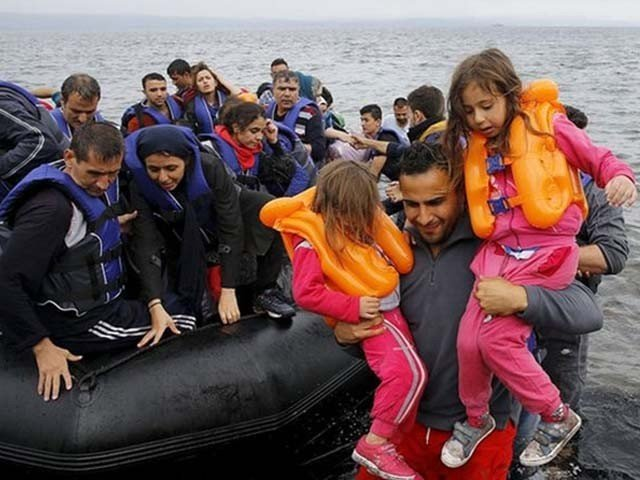 Greece: Boat sinks in Aegean Sea killing 15 migrants