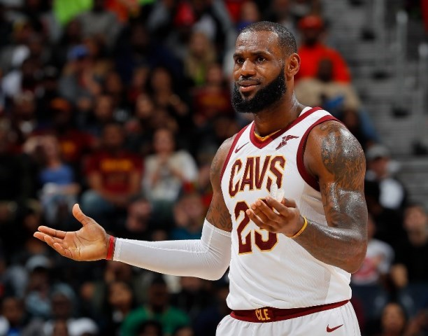 lebron james breaks michael jordan s record
