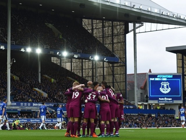 City's Stones ruled out of Goodison return with concussion