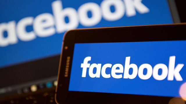 Facebook backs political ad bill, sets limits on 'issue ads'