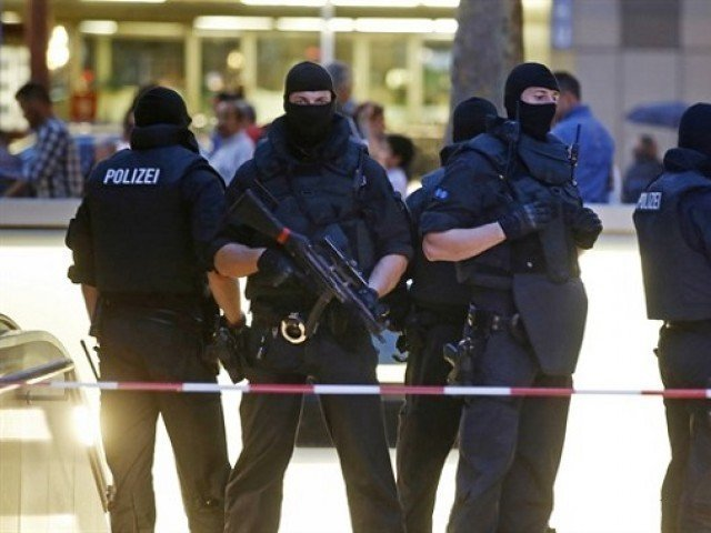 German police foil Berlin half-marathon knife attacks