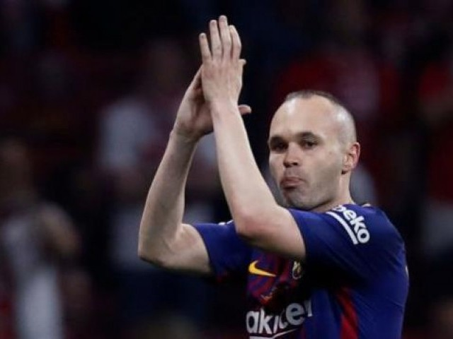 Iniesta expects to decide future in 10 days