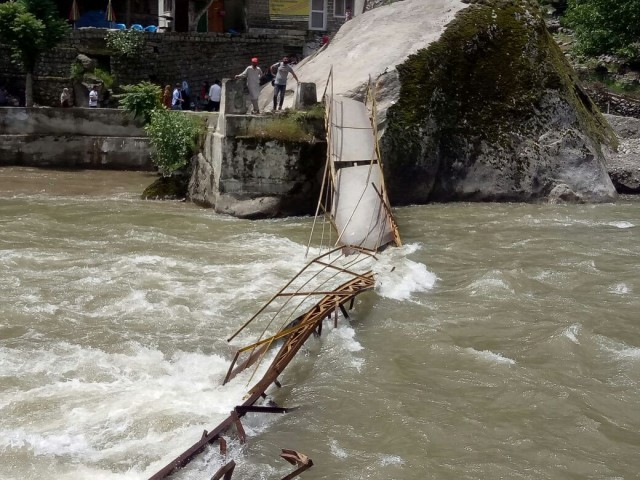 4 dead, over dozen missing as bridge collapses in Neelum Valley