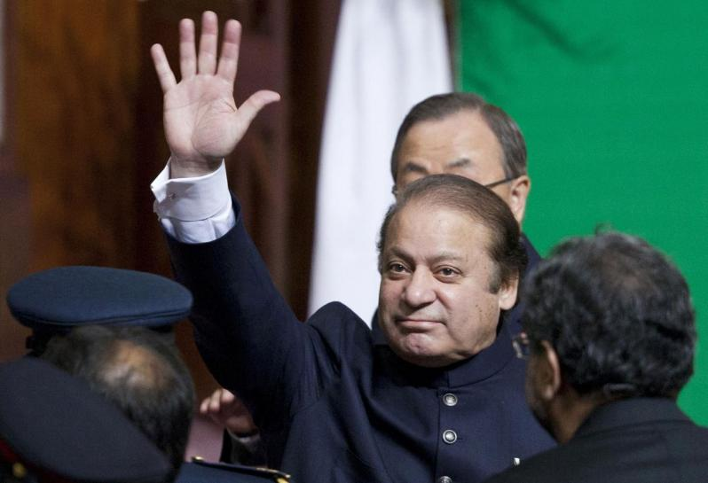 file-photo-of-pakistans-pm-sharif-waving-to-the-crowd-after-ceremony-to-mark-the-countrys-67th-independence-day-in-islamabad-2-2-2-2-2