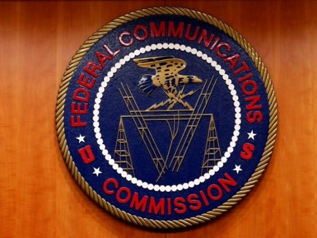 Net neutrality bill clears procedural hurdle in Senate