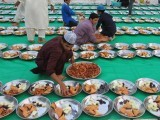 preparation-of-first-iftar-in-memon-masjid-may-17-2018-athar-khan-2