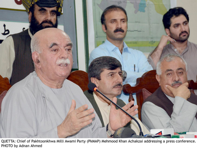 PkMAP Chairman Mehmood Khan Achakzai addressing a press conference at the Quetta Press Club. PHOTO: INP