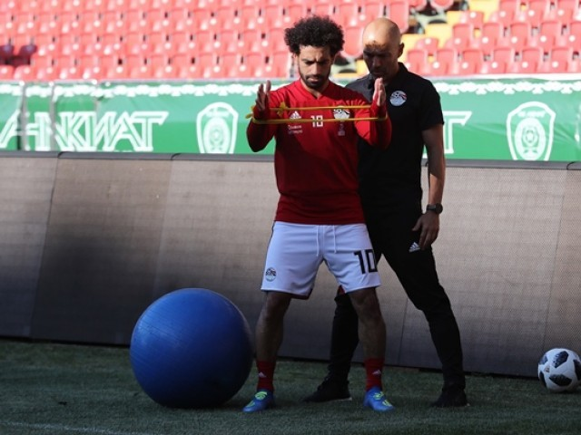 Egypt's forward Mohamed Salah (L) attends a training session at the Akhmat Arena stadium in Grozny on June 12, 2018, ahead of the Russia 2018 World Cup football tournament. PHOTO: AFP