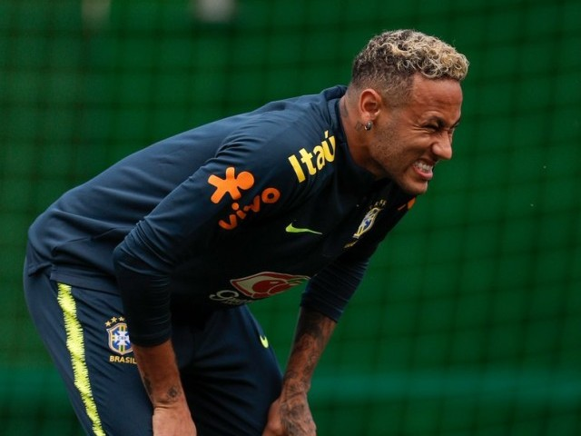 Thiago Silva reassures Neymar after tearful Brazil win