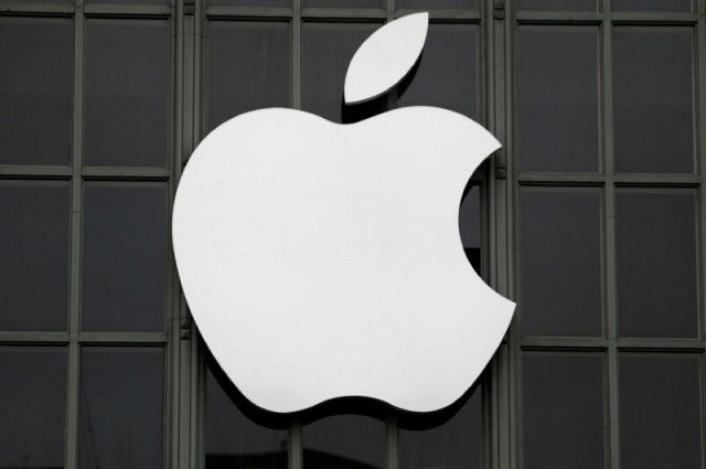 FILE PHOTO: The Apple Inc. logo is shown outside the company's Worldwide Developers Conference in San Francisco, California, US PHOTO: REUTERS