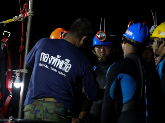 Second day of Thailand cave rescue