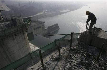 a-laborer-works-on-the-danjiangkou-dam