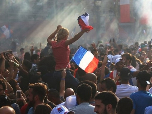 Trouble erupts in Paris following France's World Cup win