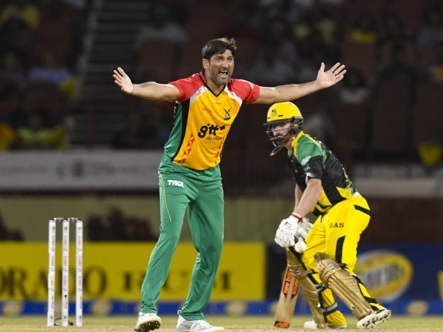 Sohail Tanvir fined 15% of match fee after middle-finger gesture