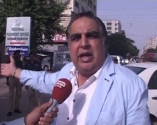 PTI leader Imran Ismail. PHOTO: EXPRESS/ FILE