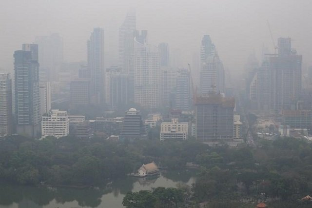 skyline-is-seen-through-morning-air-pollution-in-bangkok-2-2