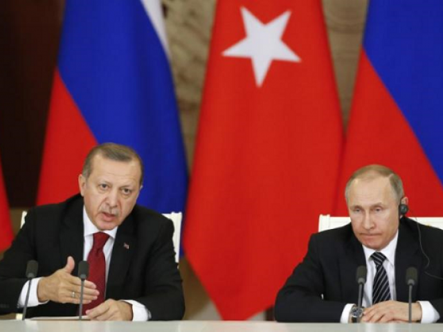 Turkey has intensified negotiations with Russia to avert a possible attack, repeatedly calling for a ceasefire.  PHOTO: REUTERS