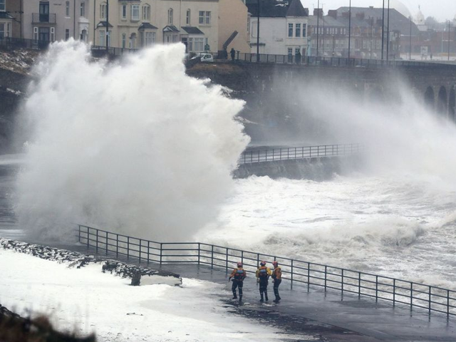 Experts predicting Ireland to receive 'severe gale warnings' early next week