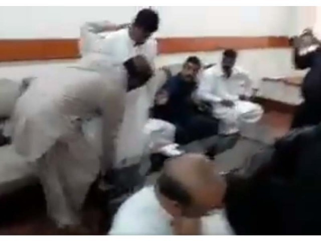 WATCH: Sindh education minister punishes clerk for humiliating student's father