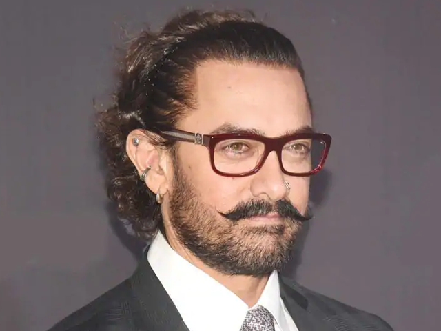 Aamir Khan exits Subhash Kapoor's film as producer