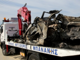 15-die-in-truck-crash-remains-of-vehicle-are-removed-here-photo-reuters