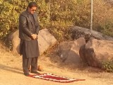 imran-khan-praying-1