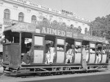 Karachi tram service pictured in 1952 - PHOTO COURTESY: TWITTER / @bilalfqi