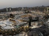 muslims-pray-at-the-grand-mosque-during-the-annual-haj-pilgrimage-in-mecca-saudi-arabia