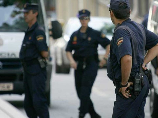 Spanish police arrest three behind neo-nazi website