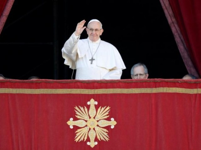 Pope: Choose simplicity over Christmas greed