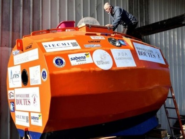 71-year-old man sets sail across the Atlantic - in a barrel