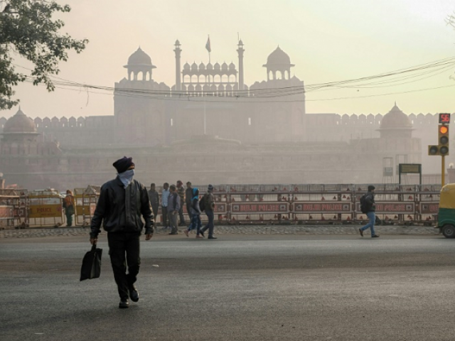 Delhi is the world's most polluted major city, its toxic cocktail of vehicle fumes, dust and smoke choking the chaotic metropolis and taking years off its 20 million inhabitants' lives. PHOTO: AFP