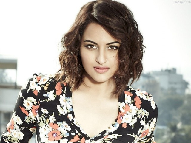Sonakshi Sinha mulls legal action after fraud case against her