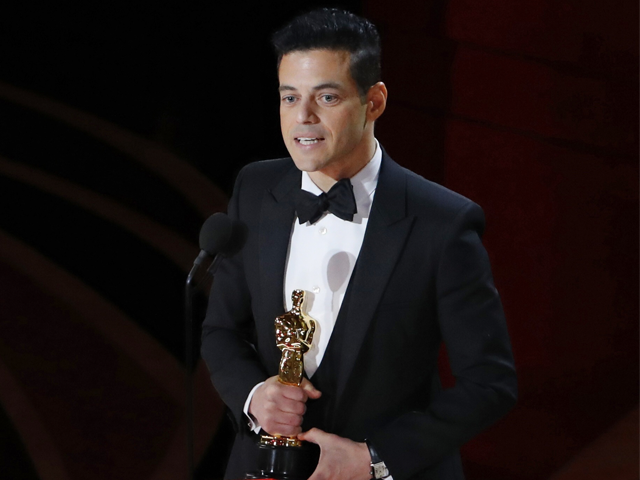 PHOTO: 91st Academy Awards - Oscars Show - Hollywood, Los Angeles, California, U.S., February 24, 2019. Rami Malek holds his Oscar after accepting the Best Actor award for his role in