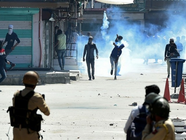 More than 200 Kashmiris have been detained during overnight raids in Indian occupied Kashmir. PHOTO: AFP/FILE
