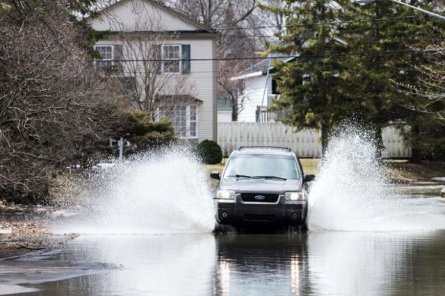Spring floods in Canada's Quebec leave one dead, force evacuations