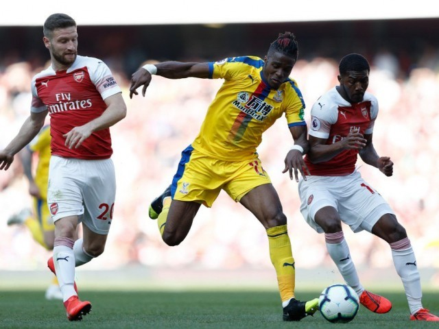 Wilfried Zaha going nowhere, says Crystal Palace manager Roy Hodgson