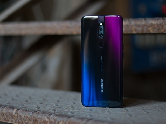 OPPO F11 Pro comes with a dual camera setup featuring a 48-megapixel main shooter plus a 5-megapixel lens for sensing depth. PHOTO: NARENDAR KUMAR