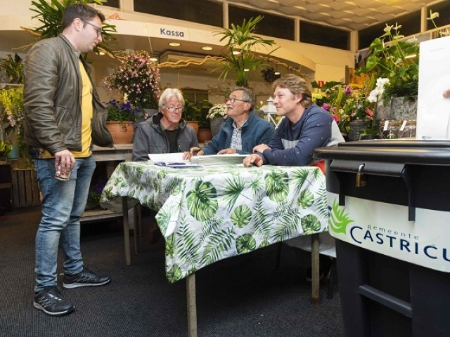 The first voters vote for the European Parliament elections at Castricum railway station in Castricum, The Netherlands, on May 23, 2018. PHOTO: ANP / AFP