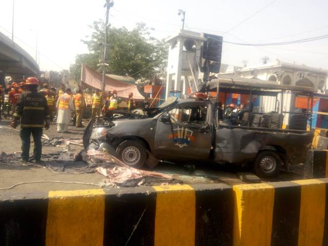 At least 5 killed, bomb targeted Elite Force of Punjab Police