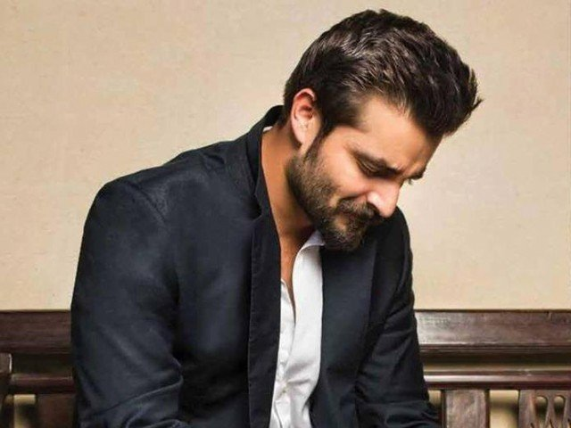 Hamza Ali Abbasi predicts 'positive effect on economy' post NAB crackdown